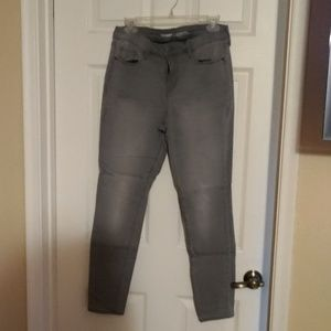 EUC OLD NAVY 10 LIGHT GREY ROCKSTAR JEANS